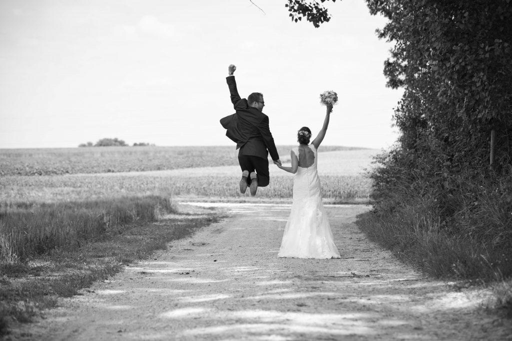 Brautpaar-Sprung-Janine-Andi