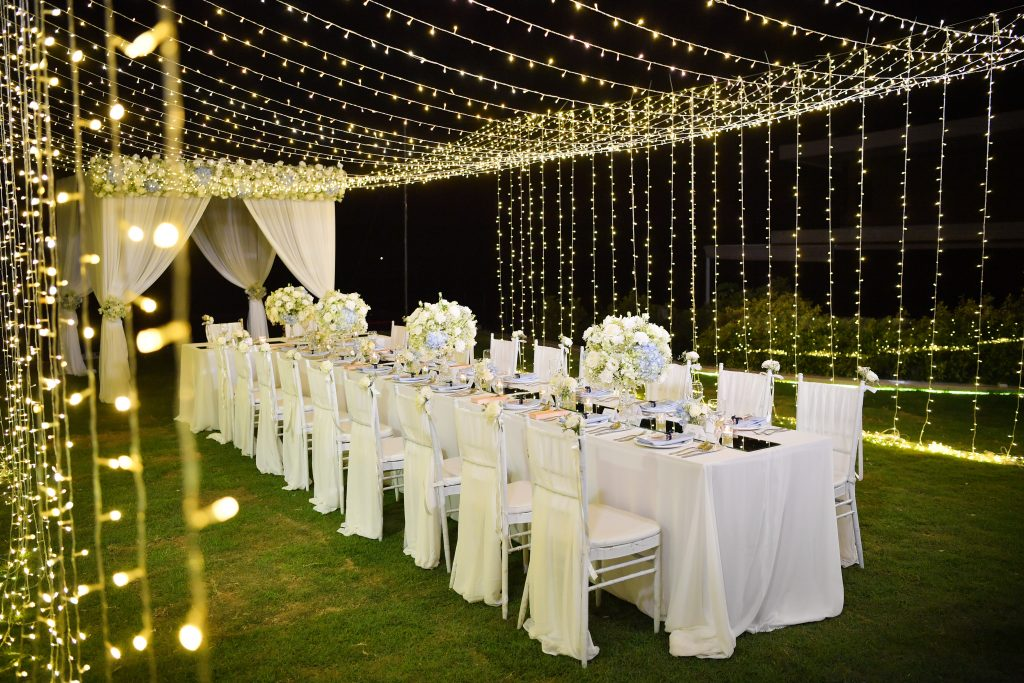 Hochzeitstrend Lichtertunnel